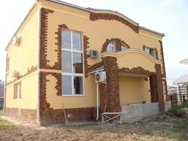 Внешняя отделка дома из бруса