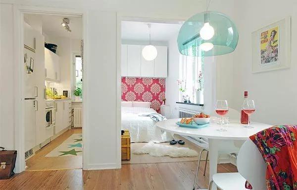 Игры с цветом в маленькой квартире