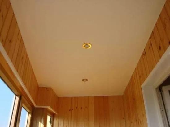 Алгоритм установки потолка на балконе