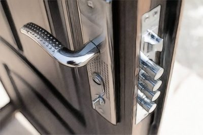 поставить недорогую металлическую дверь