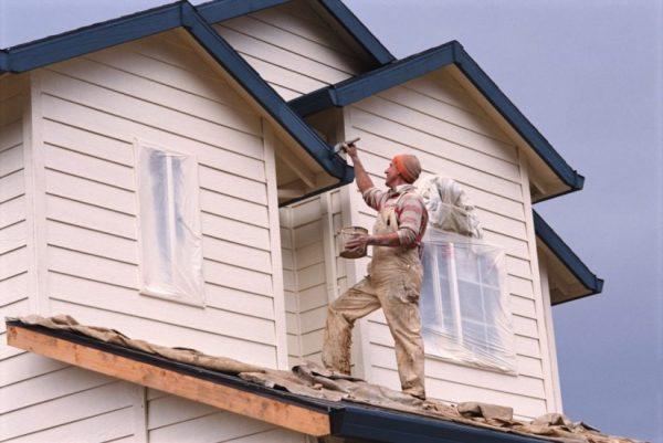 2.45-Правила-покраски-деревянного-дома-825x552