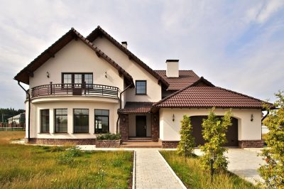 natyazhnye-potolki-v-zagorodnom-dome-mogilev