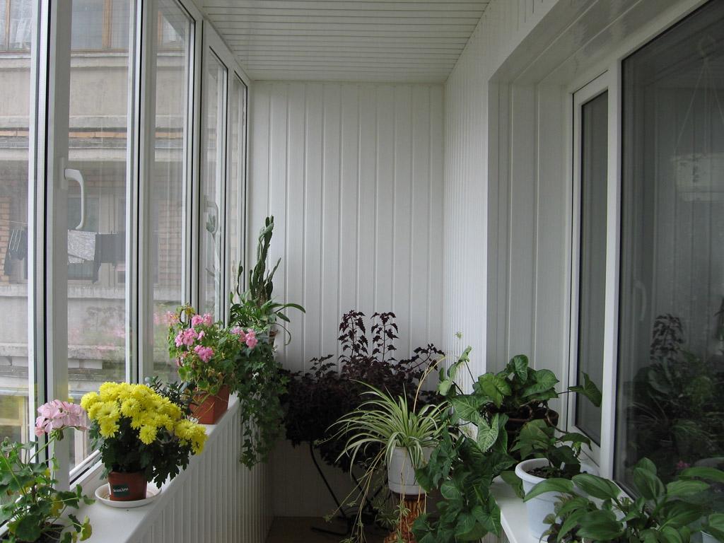 Как утеплить и обустроить балкон