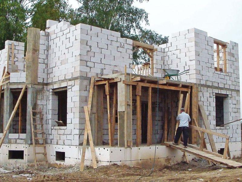 Здания и сооружения: дома из пеноблоков