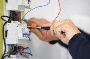 Uslugi-elektrika-na-domu