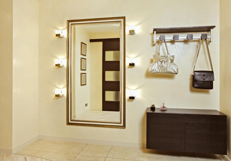Испанские зеркала и аксессуары для холлов и прихожих