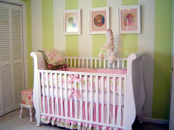 Что необходимо знать при выборе кроватки для новорожденного?