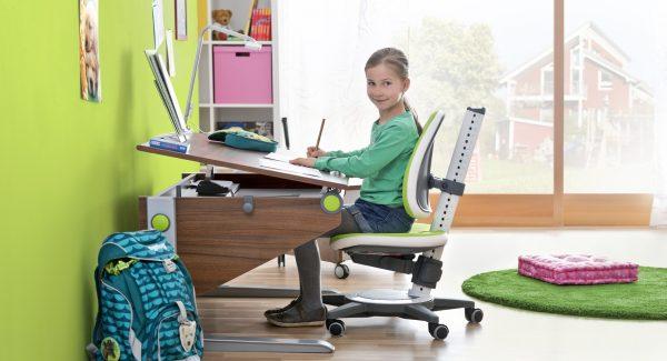 Правильно выбираем стол для школьника