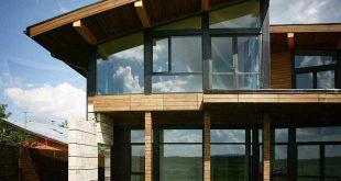 Выбираем компанию по остеклению загородных коттеджей: внимание на «Софос-окна»